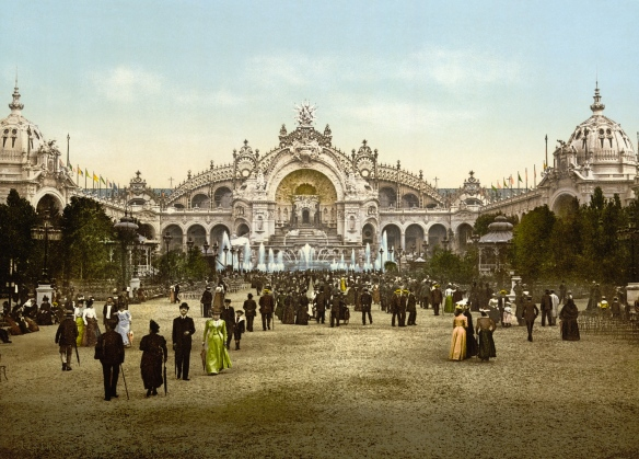 Le_Chateau_d'eau_and_plaza,_Exposition_Universal,_1900,_Paris,_France